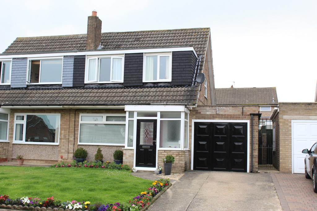 3 Bedrooms Semi Detached House for sale in Malton Drive, Stockton-On-Tees, TS19