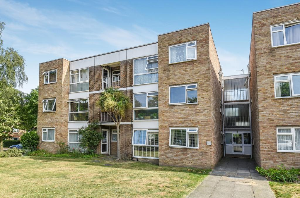 1 Bedroom Flat for sale in London Lane Bromley BR1