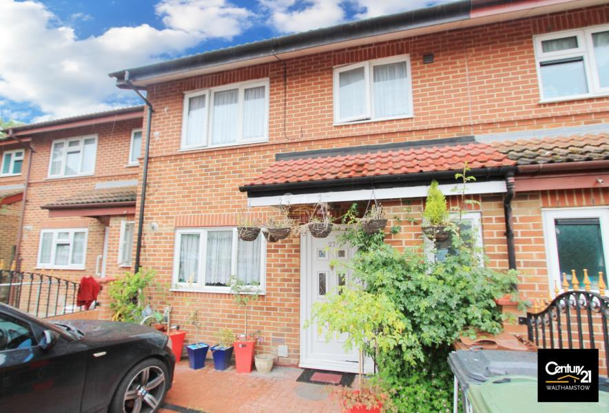 3 Bedrooms House for sale in 3 Bed House with Drive In, Walthamstow London E17