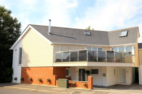 3 bedroom detached house for sale - North Lodge Road, Penn Hill, Lower Parkstone, Poole, BH14