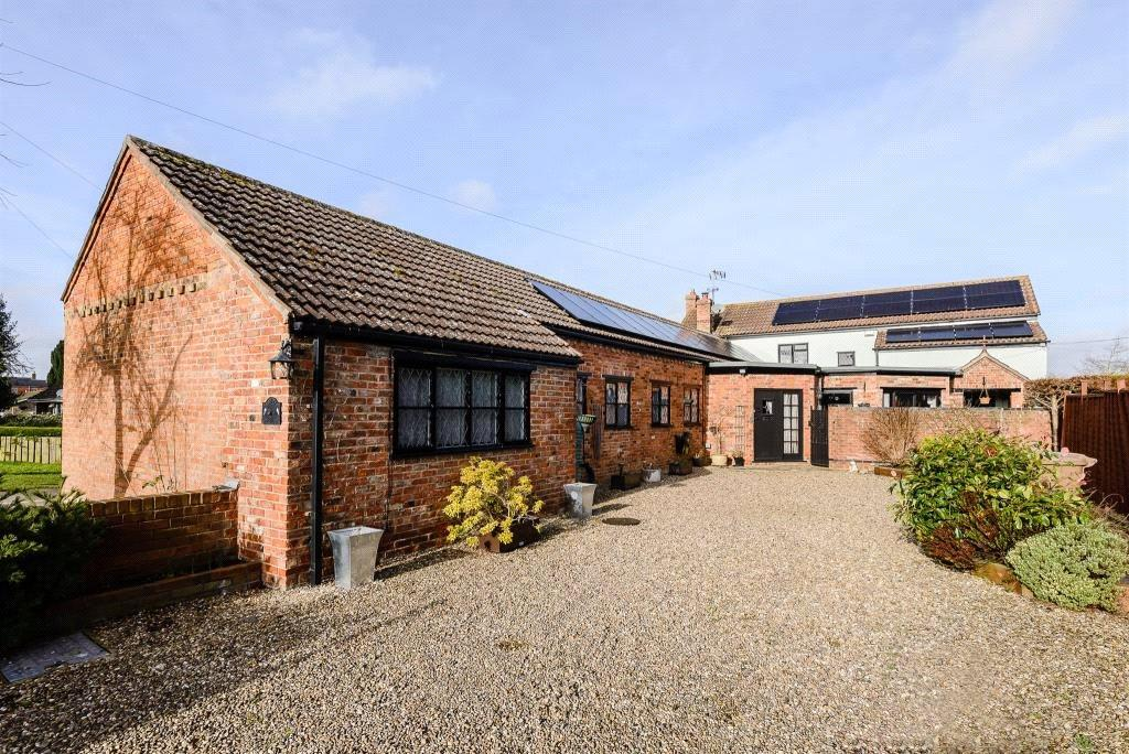 4 Bedrooms Detached House for sale in The Green, Helpringham, Sleaford, Lincolnshire, NG34