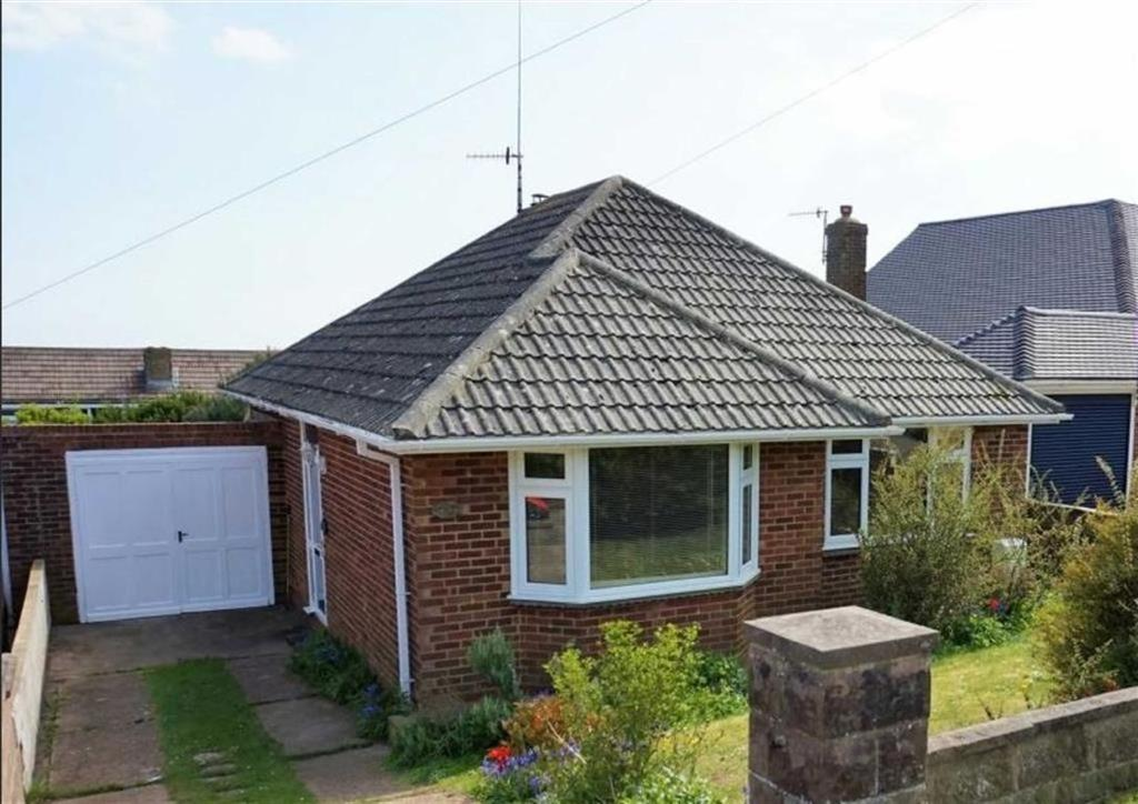 2 Bedrooms Detached Bungalow for sale in Rodmell Avenue, Saltdean, Brighton