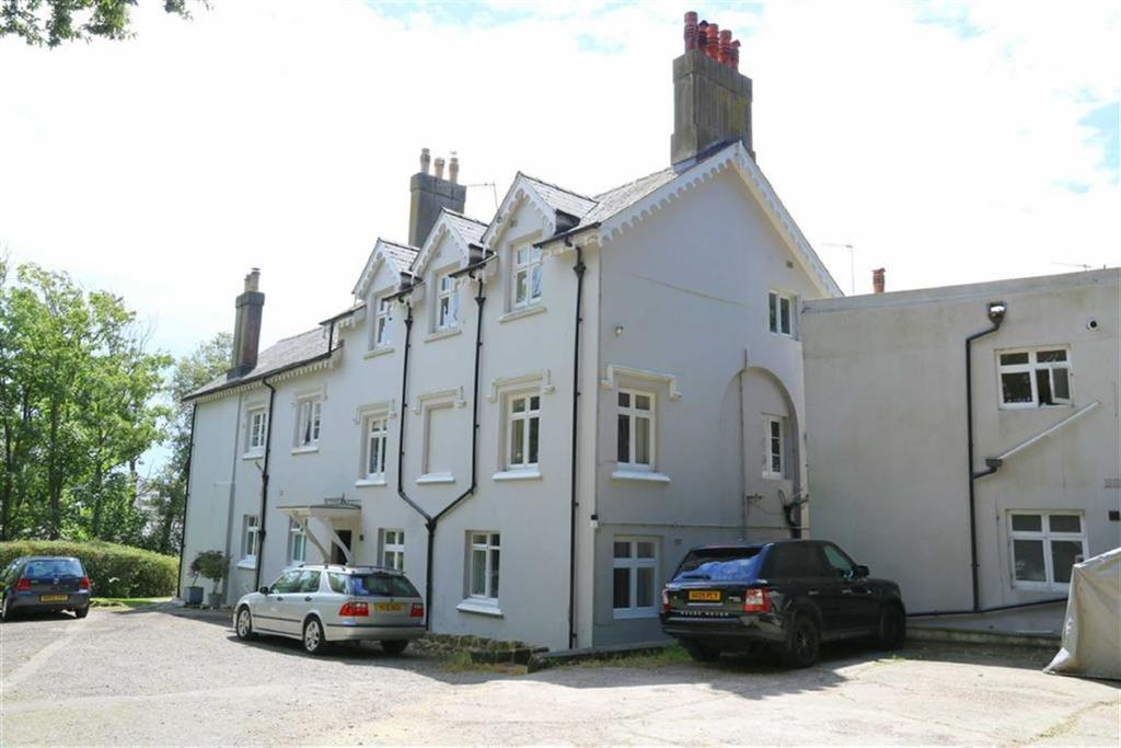 2 Bedrooms Apartment Flat for sale in Quarry Hill, St Leonards On Sea