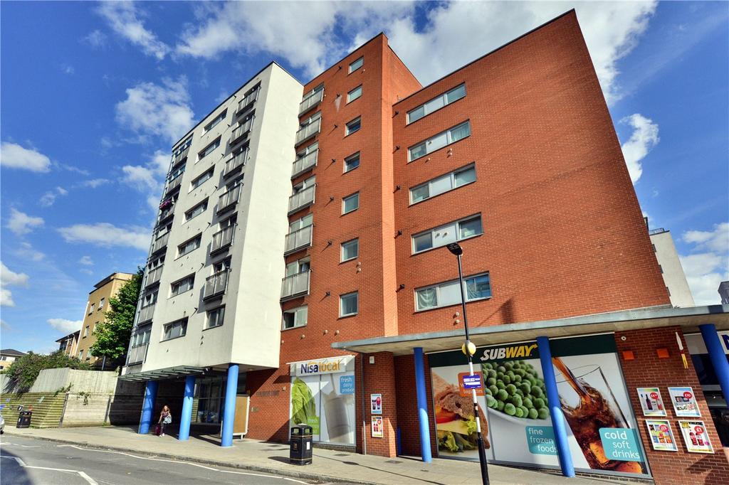 1 Bedroom Flat for sale in Explorers Court, 5 Newport Avenue, London, E14
