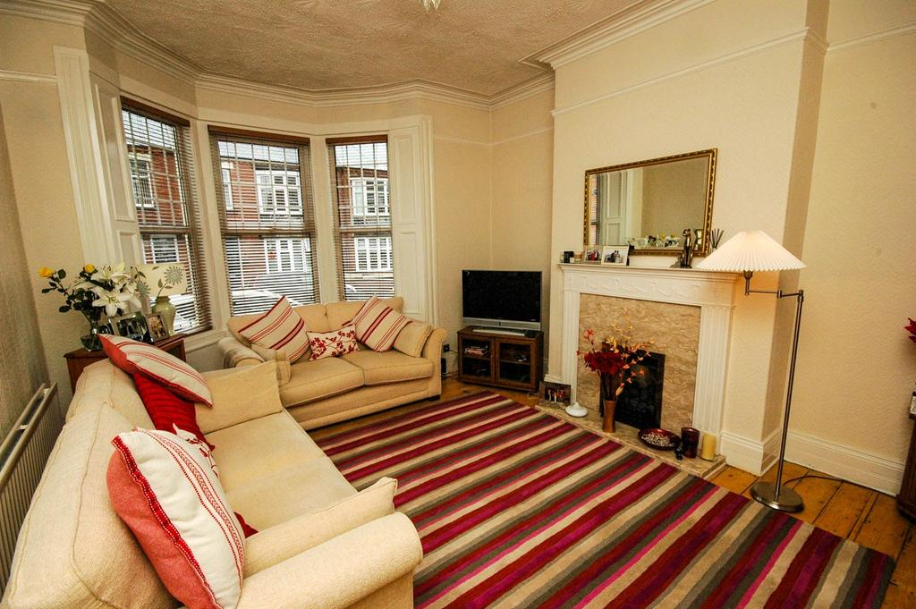 2 Bedrooms Terraced House for sale in Hepscott Terrace, South Shields