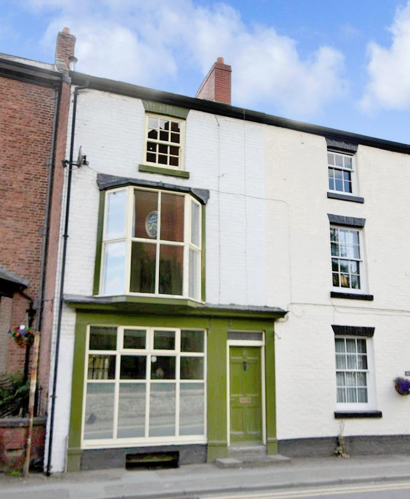4 Bedrooms Terraced House for sale in High Street, Llanfyllin
