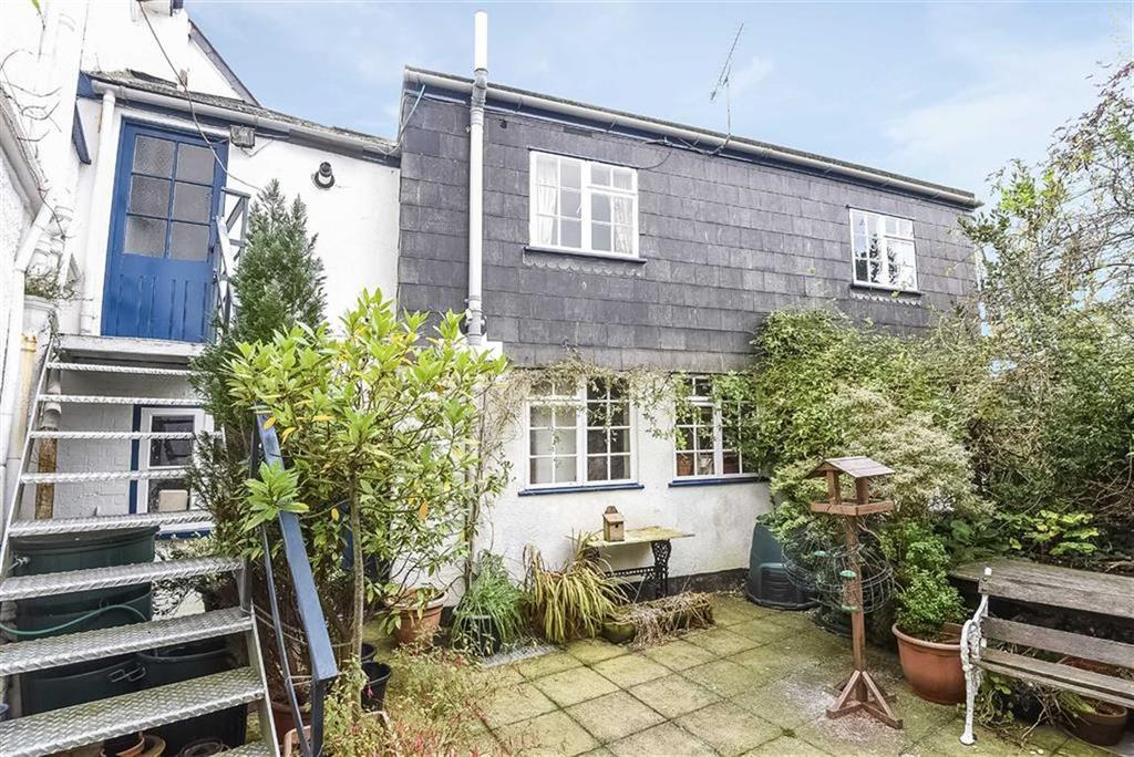 3 Bedrooms Semi Detached House for sale in High Street, Totnes, Devon, TQ9