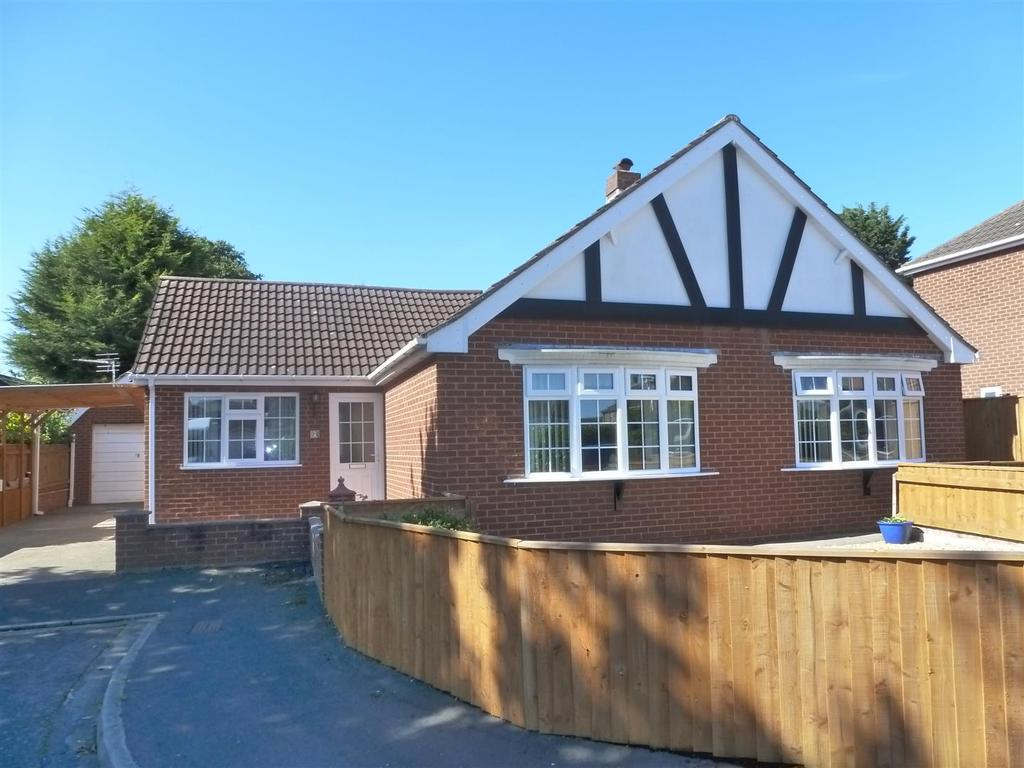 3 Bedrooms Detached Bungalow for sale in Kaymile Close, New Waltham