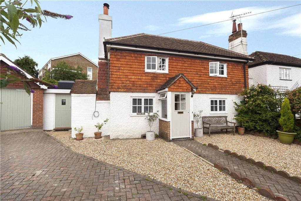3 Bedrooms Detached House for sale in Trafalgar Road, Horsham, West Sussex, RH12