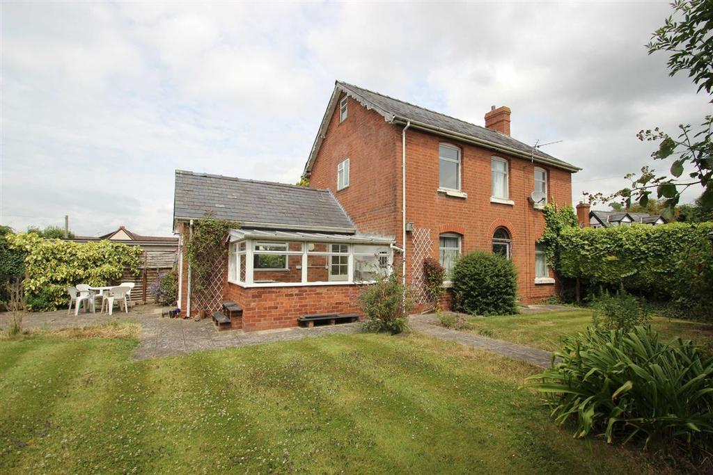 3 Bedrooms Detached House for sale in Sutton St Nicholas, Hereford