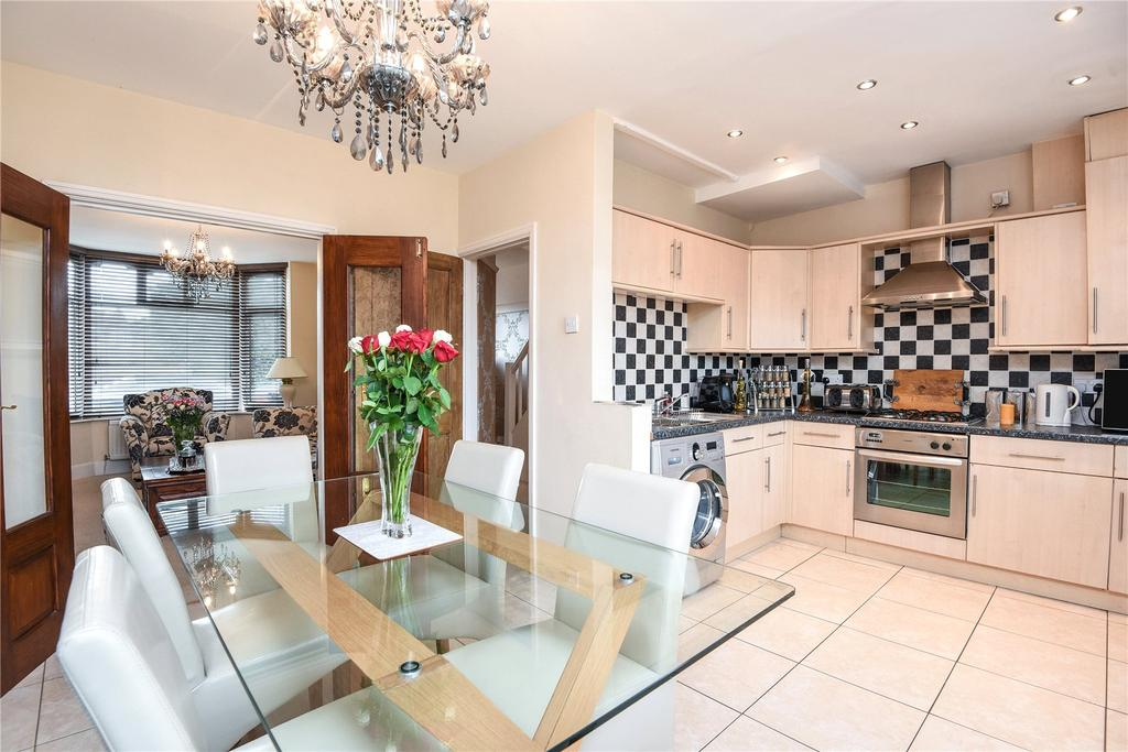 3 Bedrooms House for sale in The Drive, Abington, Northampton, NN1