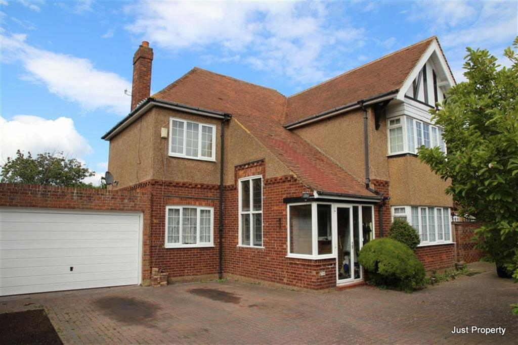 5 Bedrooms Detached House for sale in Priory Avenue, Hastings