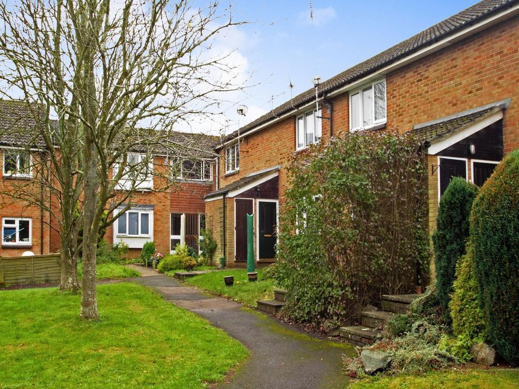 Studio Flat for sale in Calender Close, Alton