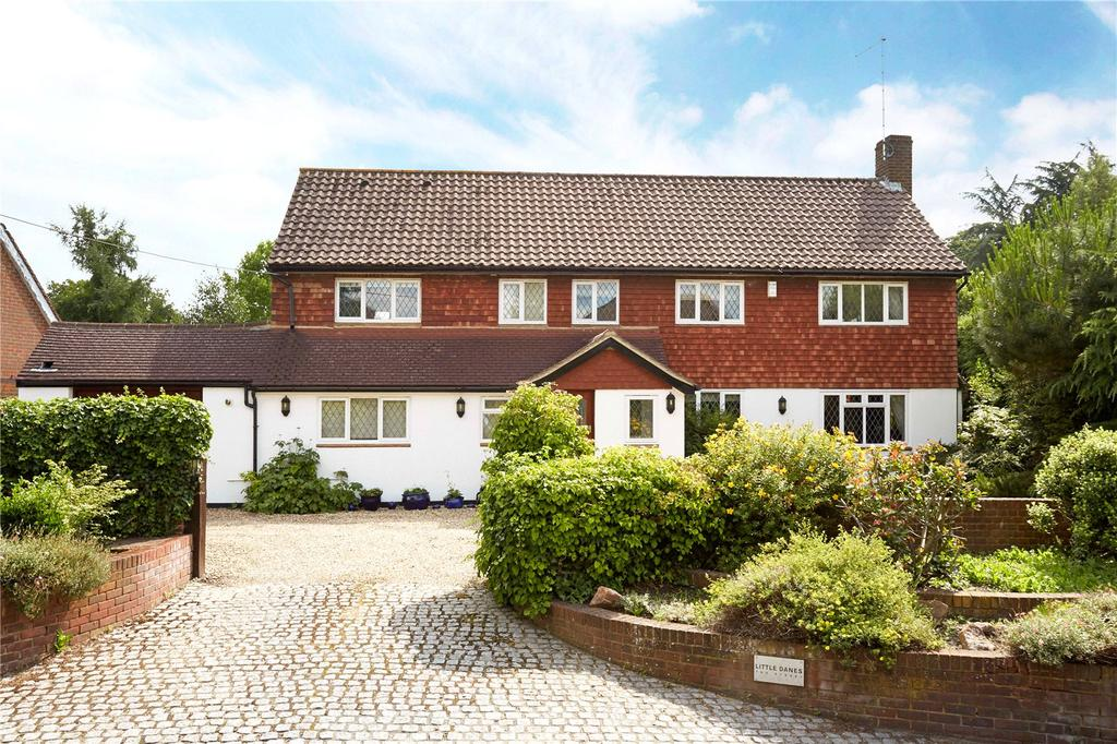 3 Bedrooms Detached House for sale in The Street, Betchworth, Surrey, RH3