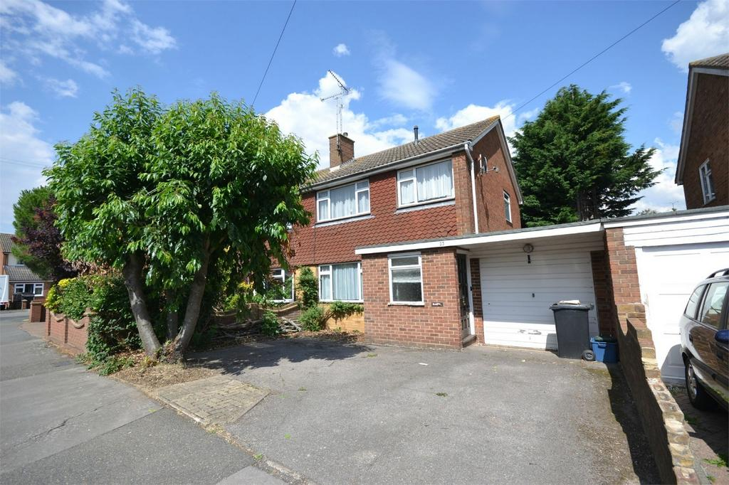 3 Bedrooms Semi Detached House for sale in Marlowe Close, Maldon, Essex