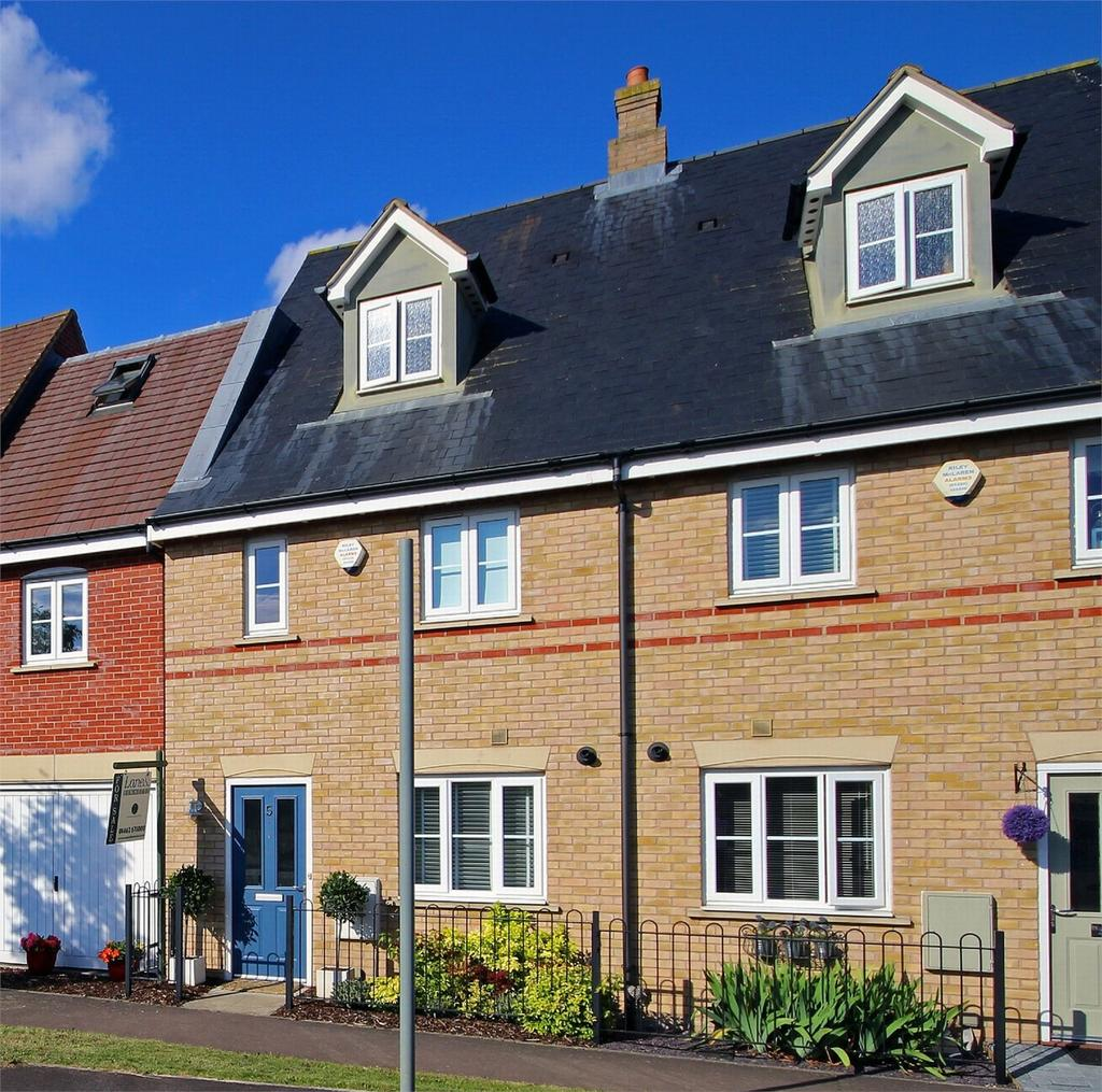 3 Bedrooms Semi Detached House for sale in Valerian Way, Stotfold, Beds