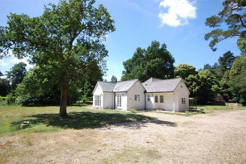 4 bedroom cottage for sale - Tilford, Farnham