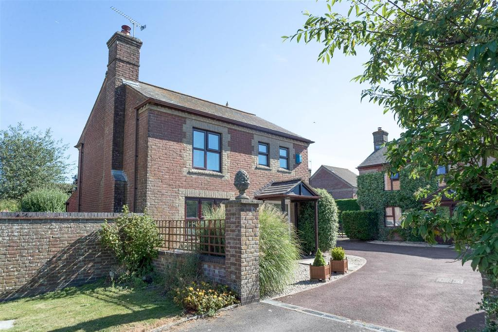 3 Bedrooms Detached House for sale in Martinsell Green