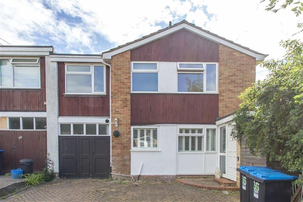5 Bedrooms Semi Detached House for sale in Hazelwood Road, Oxted, Surrey