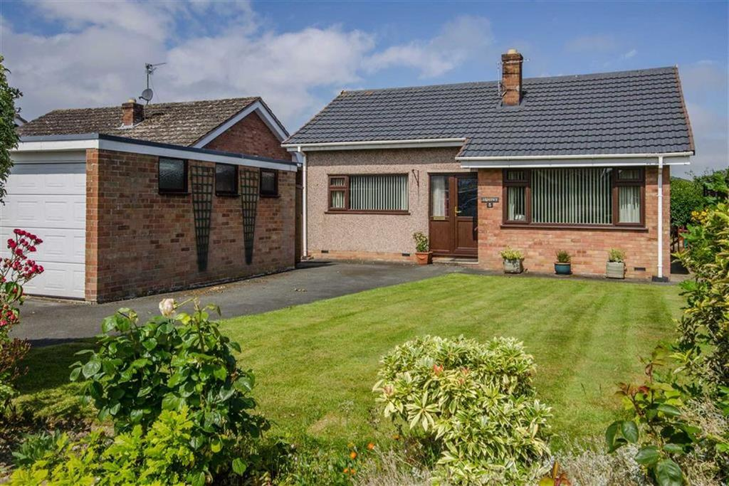3 Bedrooms Detached Bungalow for sale in Lon Derwen, Denbigh, Denbigh