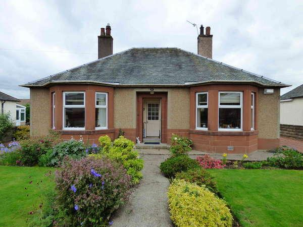 2 Bedrooms Bungalow for sale in 17 Mid Road, Biggar, ML12 6AW