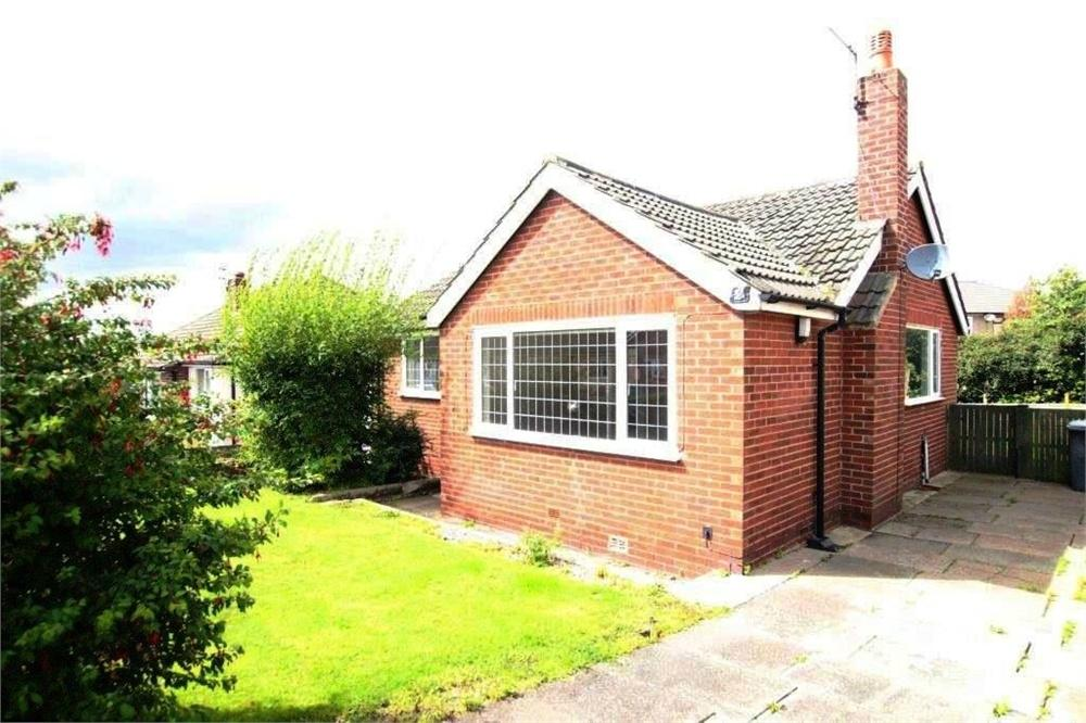 2 Bedrooms Detached Bungalow for sale in Woodlands Avenue, Gomersal, West Yorkshire
