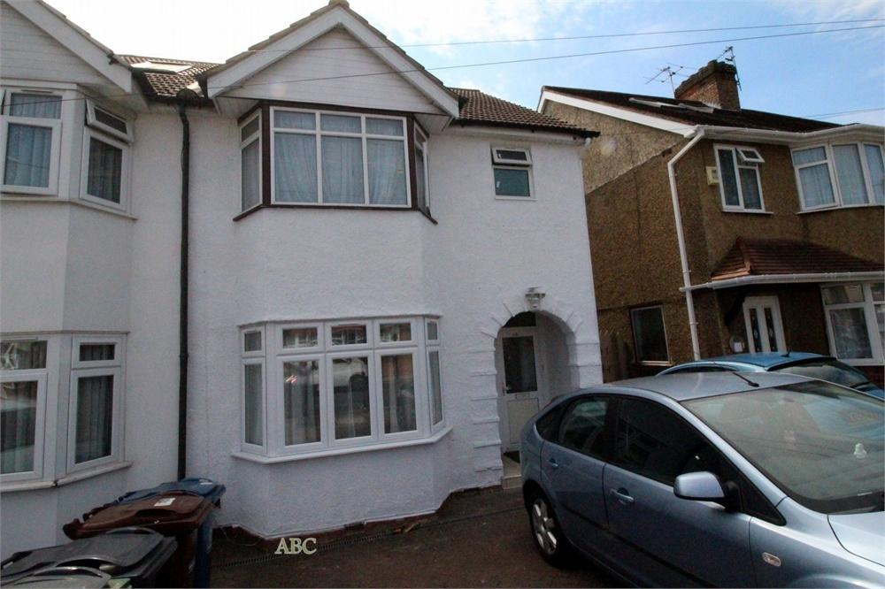2 Bedrooms Flat for sale in Oakleigh Avenue, Edgware, Middlesexs