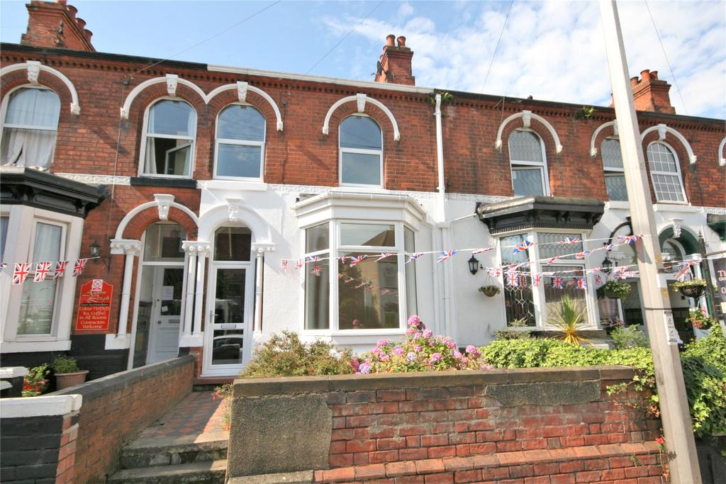 4 Bedrooms Terraced House for sale in Isaacs Hill, Cleethorpes, DN35