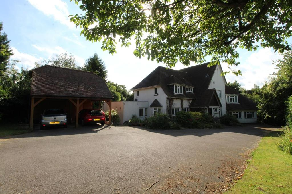 5 Bedrooms Detached House for sale in Tiptree Road, Wickham Bishops, Witham, Essex, CM8