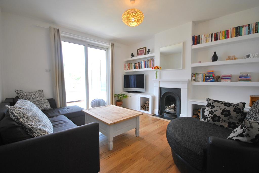 3 Bedrooms Terraced House for sale in Mayeswood Road London SE12