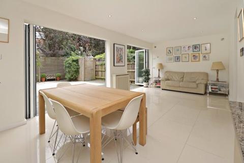 5 bedroom house for sale - Bramalea Close, Highgate Village, London, N6
