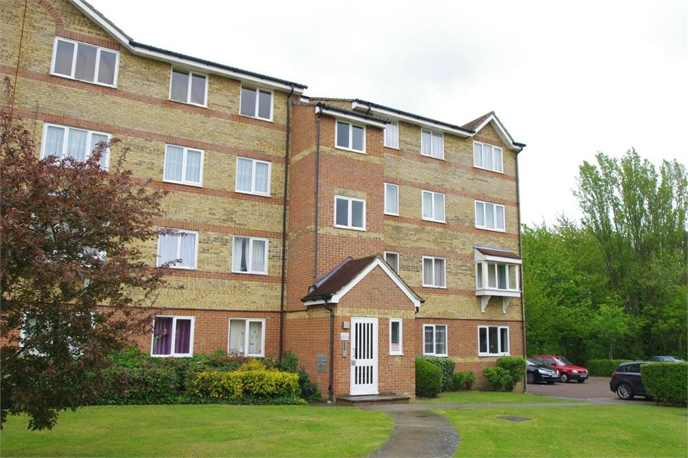 2 Bedrooms Flat for sale in Orkney House, Himalayan Way, Watford, Hertfordshire