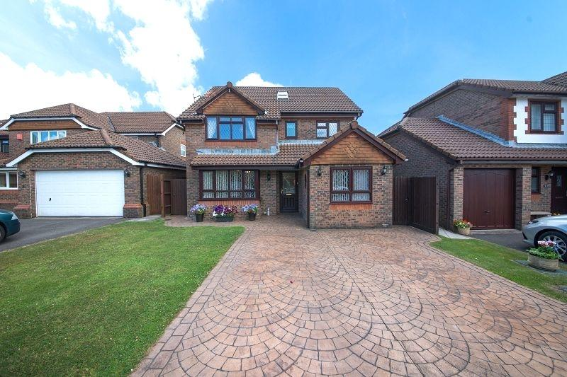 5 Bedrooms Detached House for sale in Bala Drive, Rogerstone, Newport, Newport. NP10 9HN