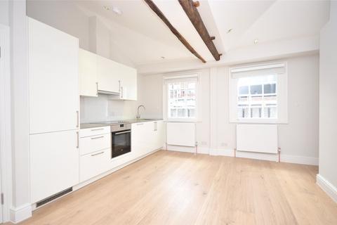 Studio to rent - Ganton Street, Soho, W1F