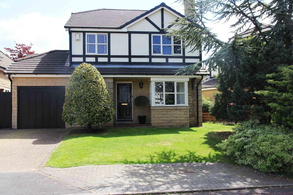 4 Bedrooms Detached House for sale in 30 Colchester Avenue, Bowerham, Lancaster LA1 4AX