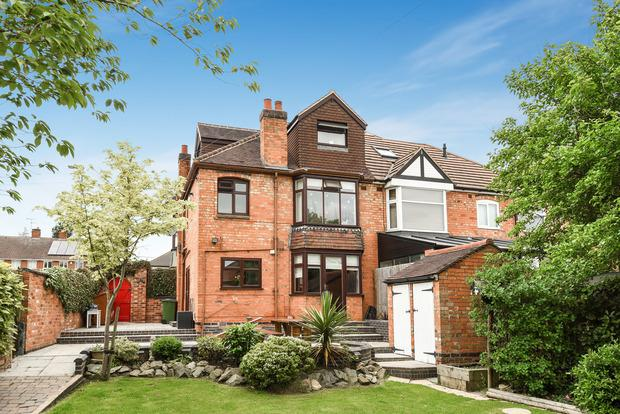 4 Bedrooms Semi Detached House for sale in Leicester Road, Enderby, LE19