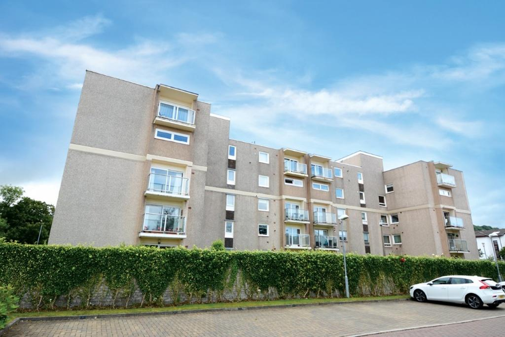 2 Bedrooms Flat for sale in 53 Castlebay Court, Largs, KA30 8DP