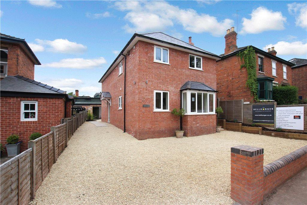 3 Bedrooms Detached House for sale in Pickersleigh Road, Malvern, Worcestershire, WR14