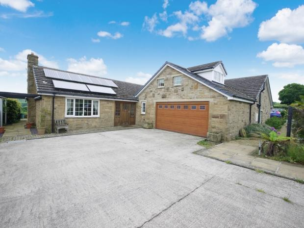6 Bedrooms Detached House for sale in Gawthorpe Lane Lepton Huddersfield