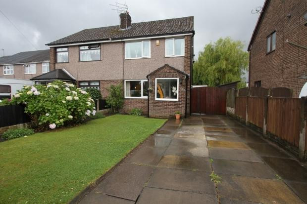 3 Bedrooms Semi Detached House for sale in Lincoln Drive Ashton In Makerfield Wigan