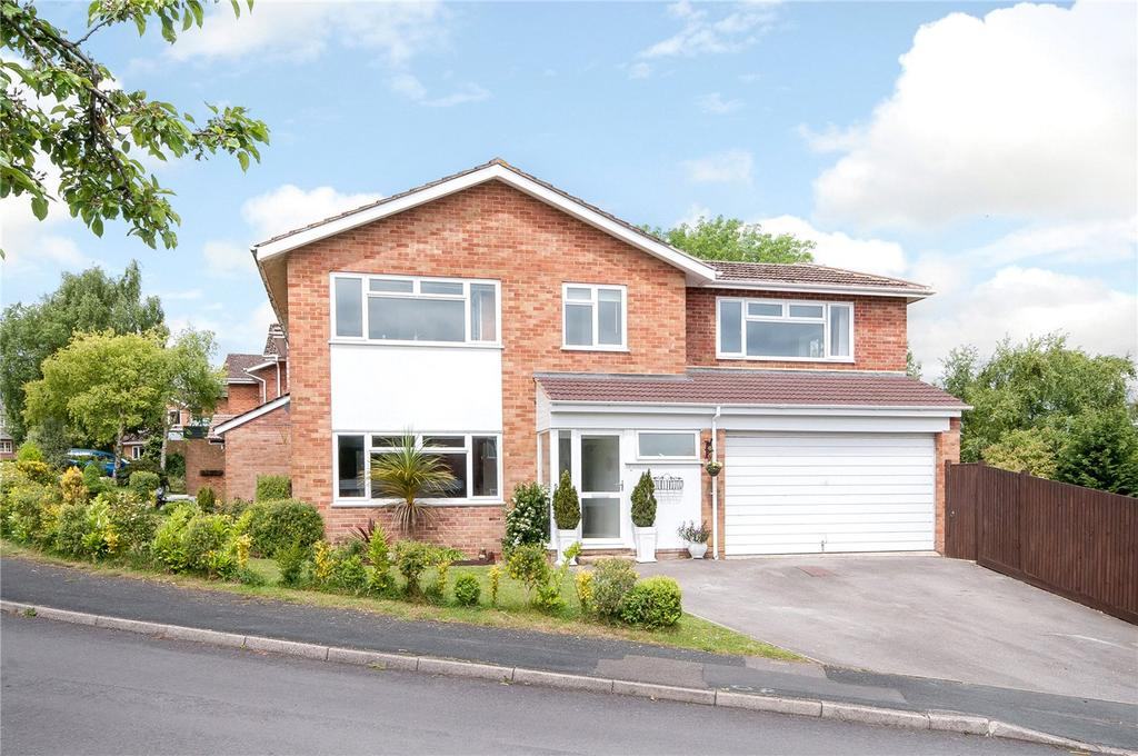 4 Bedrooms Detached House for sale in Keats Close, Olivers Battery, Winchester, SO22