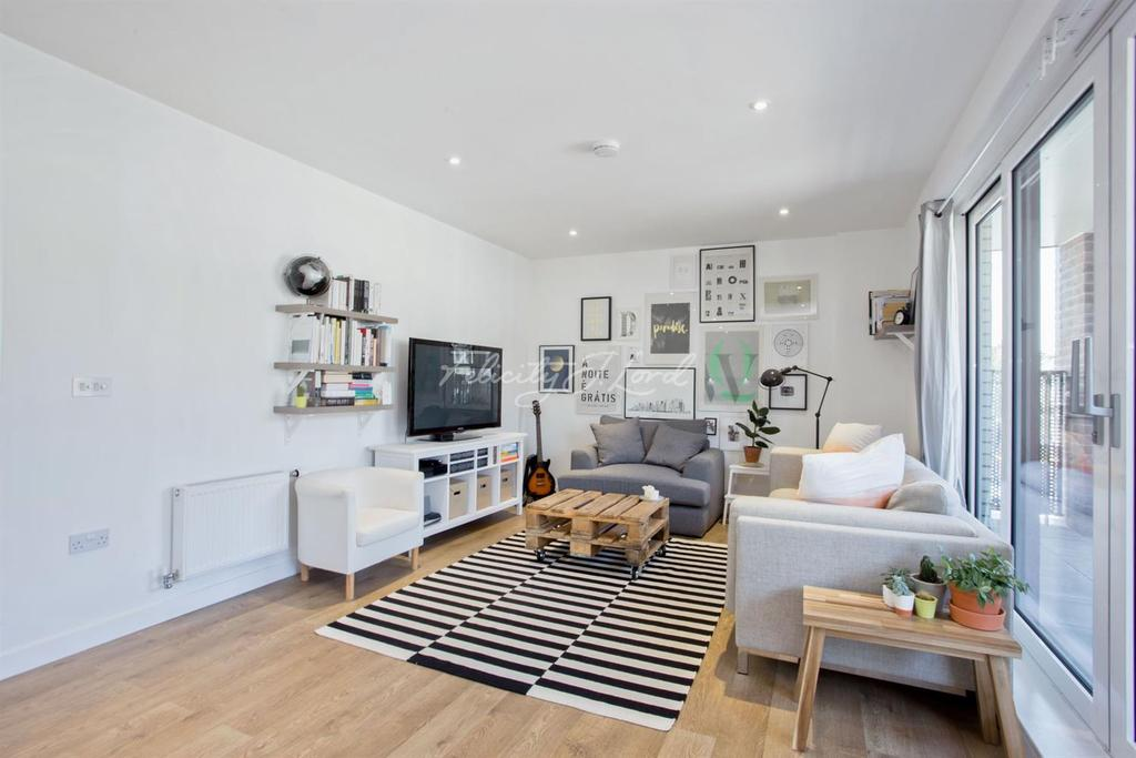 2 Bedrooms Flat for sale in Pellerin Road, N16