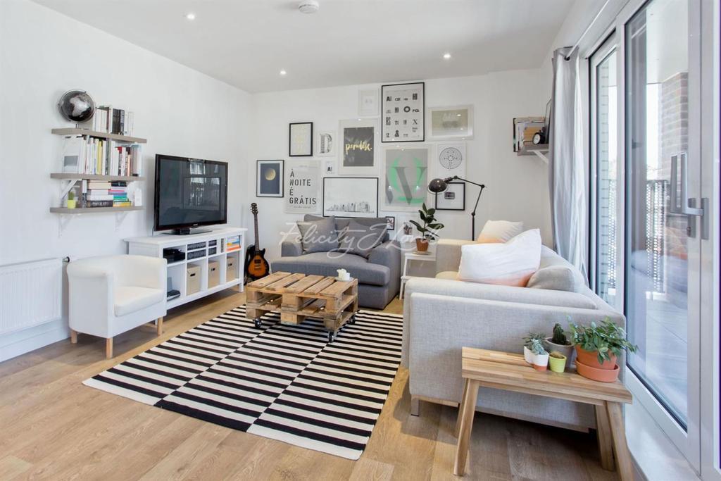 2 Bedrooms Flat for sale in Pellerin Road, N16