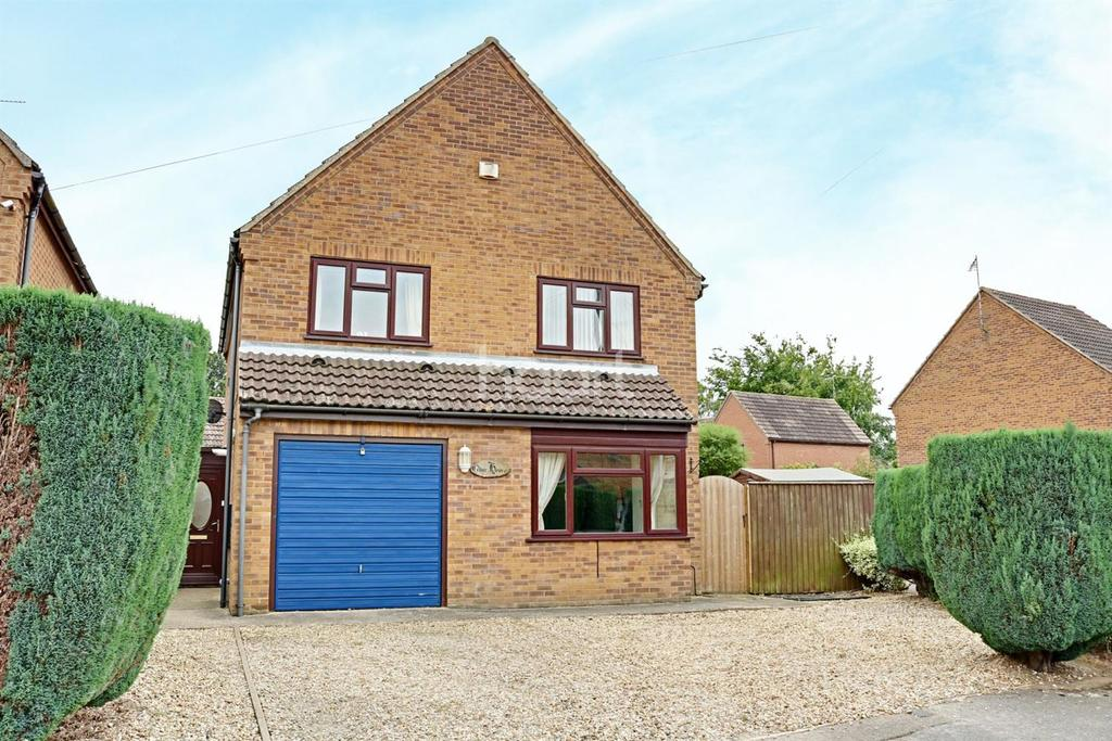 4 Bedrooms Detached House for sale in Wistaria Road, Walsoken
