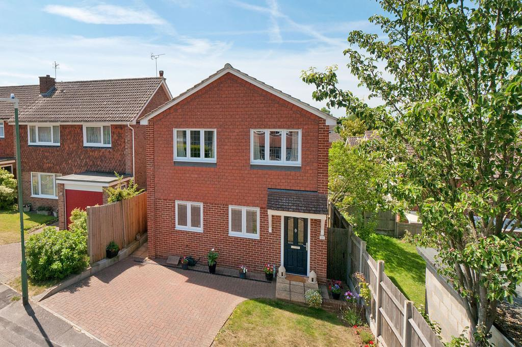 2 Bedrooms Detached House for sale in The Almonds, Bearsted