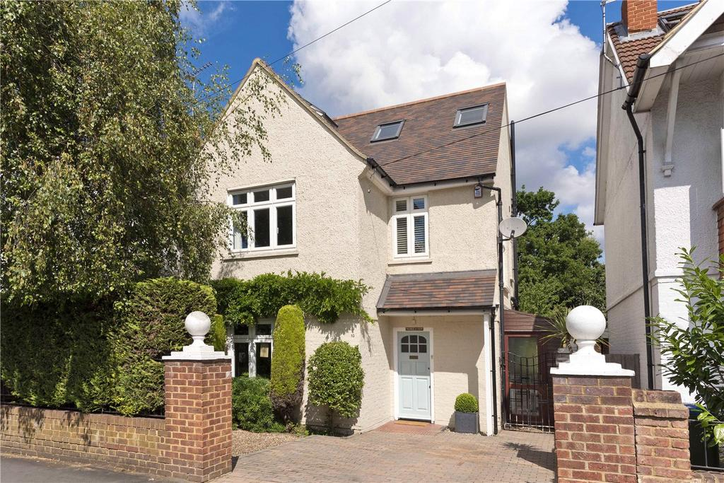 3 Bedrooms Detached House for sale in Monument Road, Weybridge, Surrey, KT13