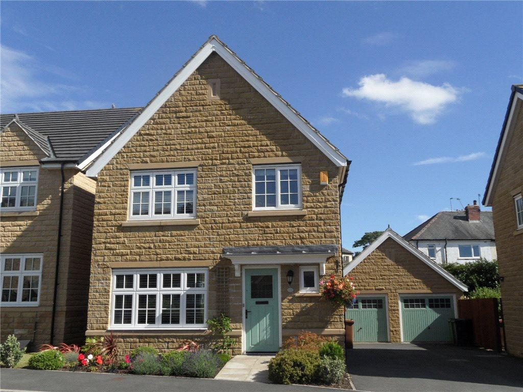 3 Bedrooms Detached House for sale in Branwell Road, Guiseley, Leeds