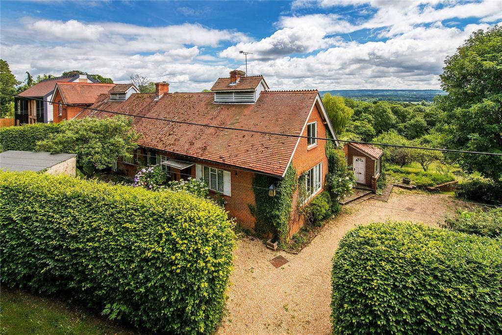 4 Bedrooms Semi Detached House for sale in Summerfield Lane, Frensham, Farnham, Surrey
