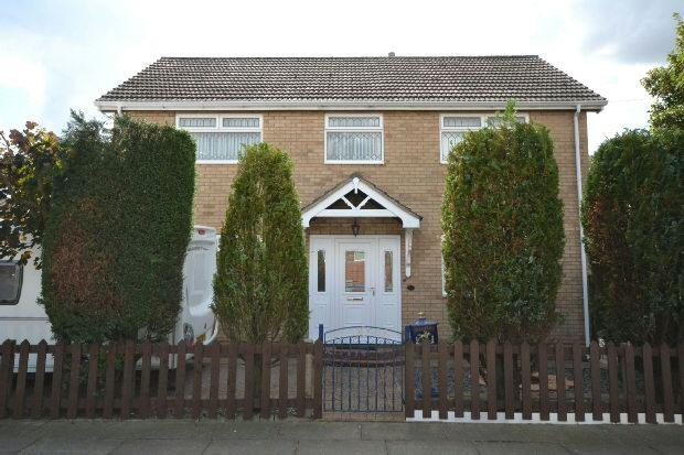 3 Bedrooms Detached House for sale in Maple Avenue, GRIMSBY