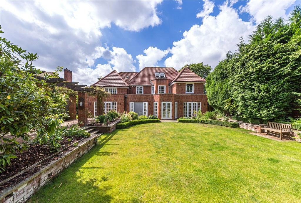 5 Bedrooms Detached House for sale in Sherrardspark Road, Welwyn Garden City, Hertfordshire